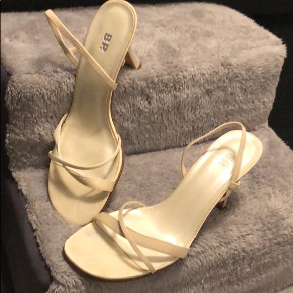 Vero Cuoio Shoes - Nude/Cream Vero Cuoio Heels Size 8